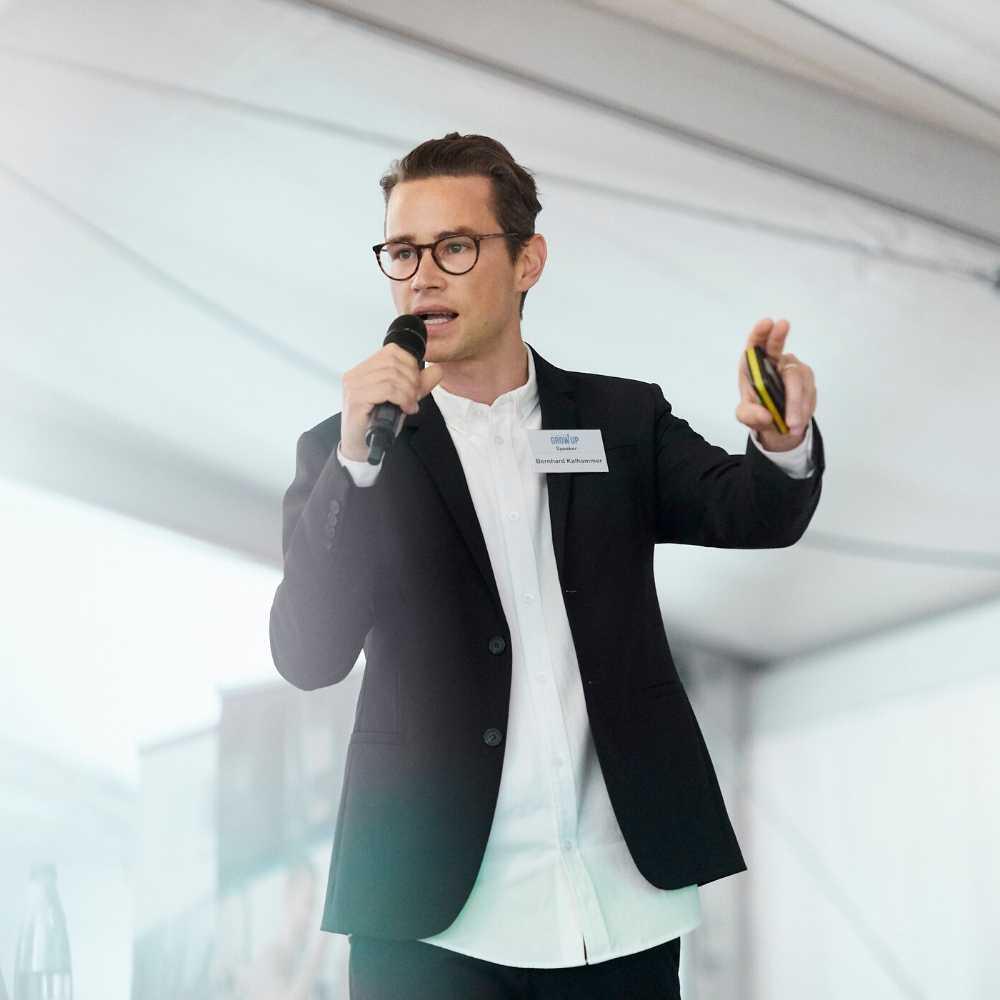 Startup Hacks Podcast Bernhard Kalhammer