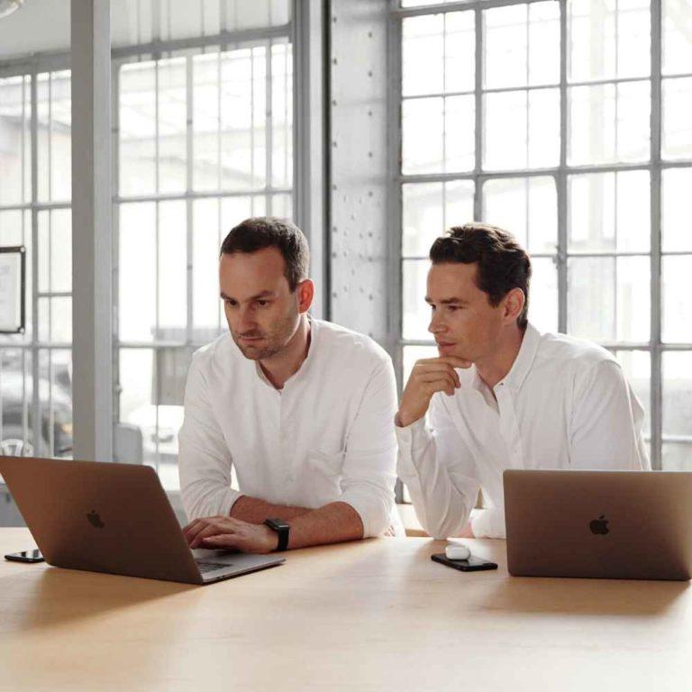 Startup Hacks Podcast #79 | Inside KUVG | Auf dem Weg zum Notar: Kalhammer & von Grafenstein wird gegründet