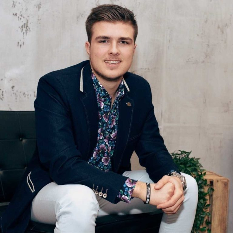 Startup Hacks Podcast #98 | Lead Generation, Personal Branding und Omnipräsenz: Nick Geringer von #webuildbrands