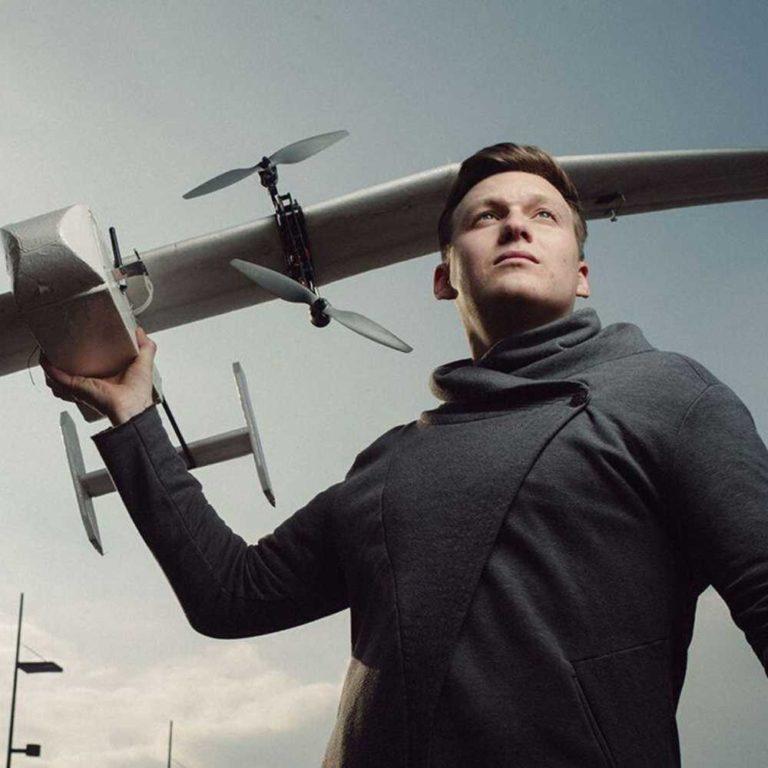 Startup Hacks Podcast #100 | 120km Reichweite, bis zu 6kg Nutzlast und eine Partnerschaft mit UPS: Tom Plümmer von Wingcopter